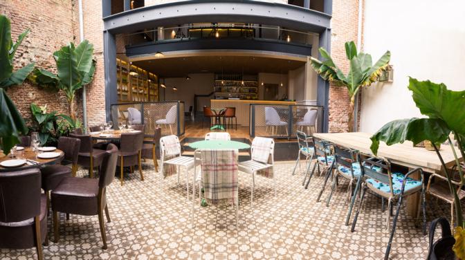 La Contraseña: pátio espetacular para um almoço de verão