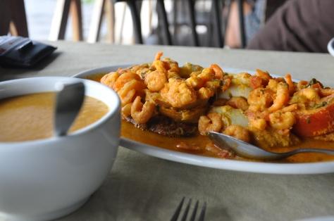 Peixada de arabaiana com pirão