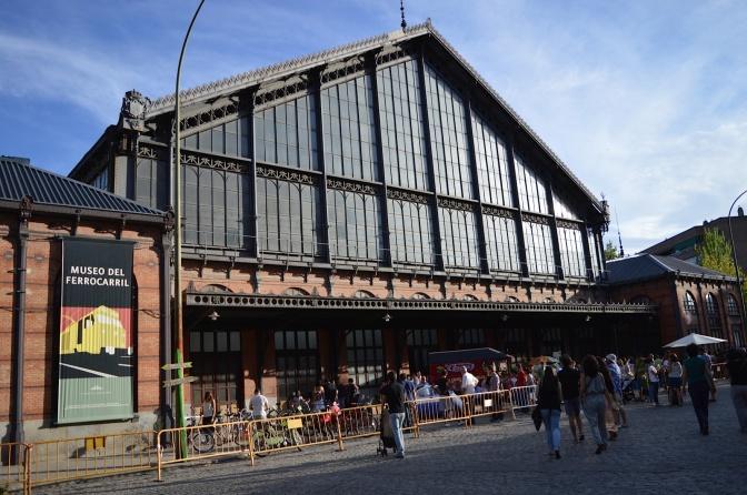 Fim de semana de feirinha em antiga estação de trem