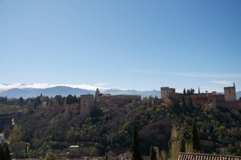 Alhambra com Sierra Nevada vista do Albaicín
