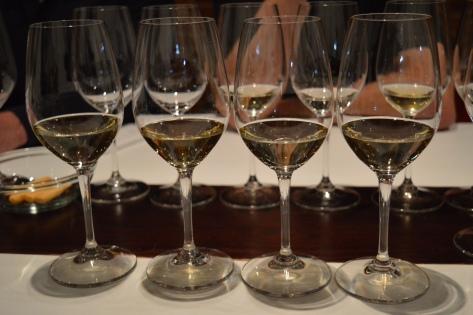 Dois vinhos brancos e dois espumantes