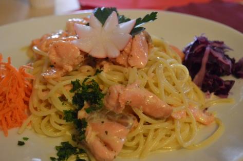 Spaghetti com salmão