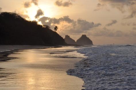 Por do sol na Praia do Boldró