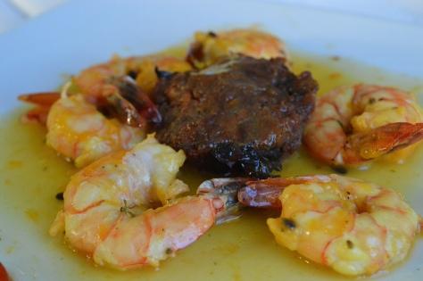 Camaroes com arroz de coco do Juan del Mar restaurante
