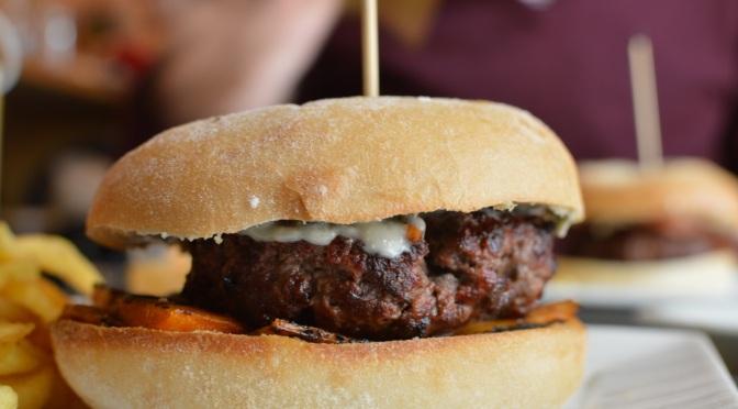 Gobu Burger: delicioso hambúrguer gourmet no bairro Salamanca